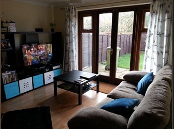 Large double room available in Middleton!