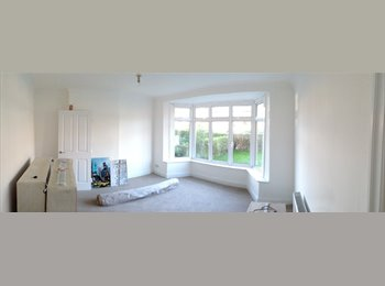Double room available in NW2