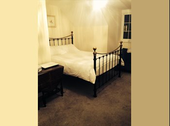 EasyRoommate UK - Third floor double en suite  - Pontefract, Wakefield - £110