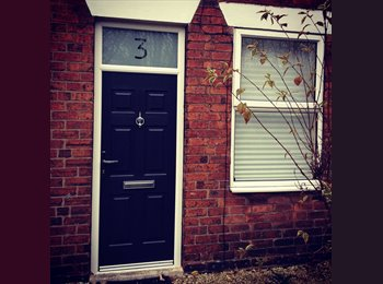 EasyRoommate UK - Mon to Fri. Lovely, clean room in fab house! - Brampton, Chesterfield - £355
