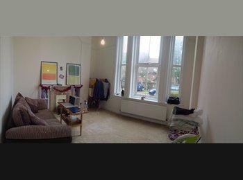 EasyRoommate UK - Room for rent in Eastbourne center - Eastbourne, Eastbourne - £350