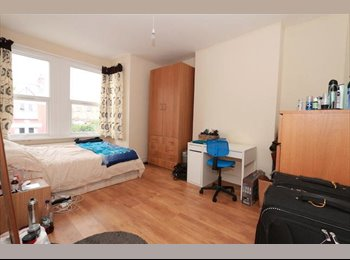 Short Time Let for a Large and Nice Room in Bounds