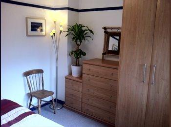 EasyRoommate UK - Furnished double room available - Whitnash, Leamington Spa - £500