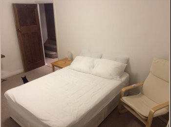 EasyRoommate UK - Lodgers to share our young & friendly household - Cricklewood, London - £620