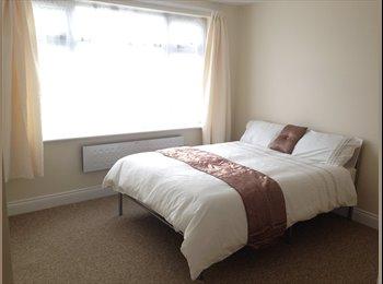 EasyRoommate UK - Double room with Ensuite bathroom - Cricklewood, London - £700