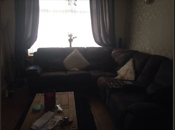 EasyRoommate UK - Large double bedroom available - Tupton, Chesterfield - £320