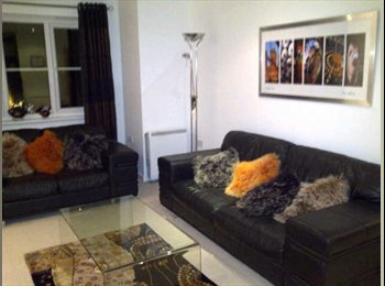 EasyRoommate UK - Room to rent in modern flat near Prestwich - Higher Broughton, Salford - £400