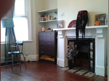 Beautiful Double Bedroom Central Kingston
