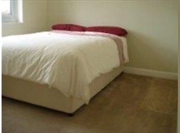 EasyRoommate UK - Cosy Double Room - Ruislip, London - £600