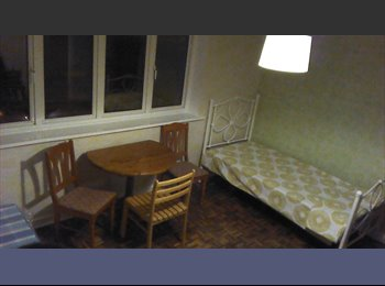 EasyRoommate UK - Double Room to Let, Wolverhampton, George Street - Ettingshall, Wolverhampton - £260