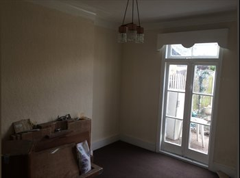 Newly refurbished house in Ilford, 5 rooms to let