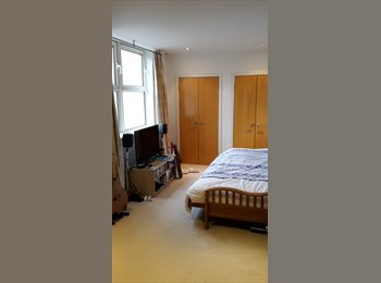 EasyRoommate UK - Private double bedroom with private bathroom. - Tunbridge Wells, Tunbridge Wells - £550