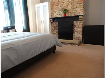 EasyRoommate UK - Large double room in house with 2 cats! ^-^ - Tottenham, London - £600