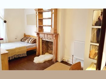 EasyRoommate UK - Stunning rooms in Southsea £350 incl bills! - Southsea, Portsmouth - £350