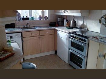 Double Room near Aylesbury College & SM Hospital