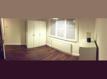 EasyRoommate UK - Double room in Manor House near underground statio - London, London - £220