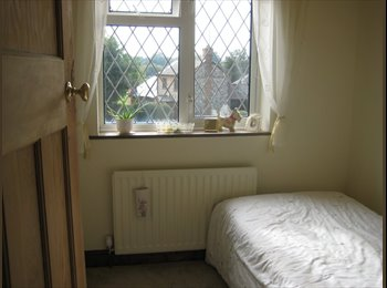 EasyRoommate UK - Pink Cottage- large single room available. n/s - Naphill, High Wycombe - £380