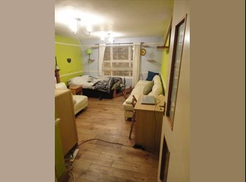 EasyRoommate UK - Big colourful room! Great location, bike included - Bermondsey, London - £640