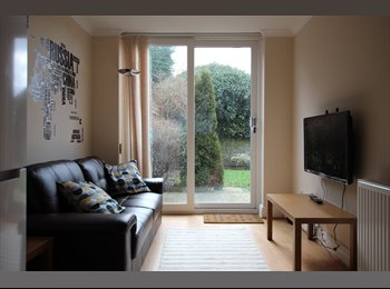 EasyRoommate UK -  Double Rooms in Brand New Professional House - Easthampstead, Bracknell - £525