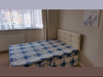 EasyRoommate UK - Double Room in Filton - Filton, Bristol - £275