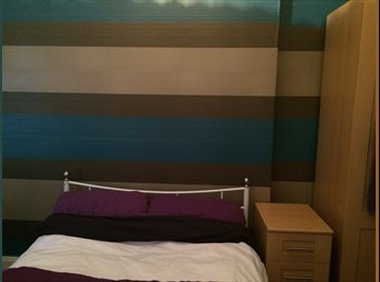 EasyRoommate UK - Double bedroom available in 3rd floor tenement flat - Dennistoun, Glasgow - £250