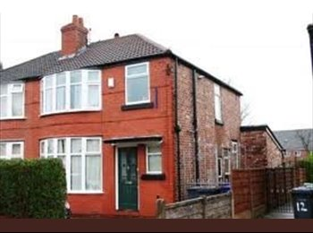 EasyRoommate UK - double room available in 5 bed student property - Fallowfield, Manchester - £399