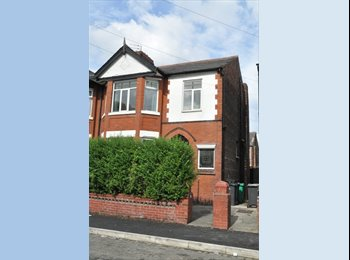 EasyRoommate UK - Victoria Park Double room 90PPW bills included - Longsight, Manchester - £395