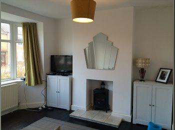 Double room in large 3 bed house