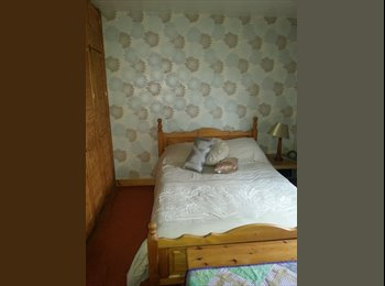 EasyRoommate UK - Double room to rent in semirural location - Staveley, Chesterfield - £400