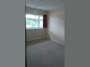EasyRoommate UK - Unfurnished Double-bedroom in large furnished flat - Girton, Cambridge - £475
