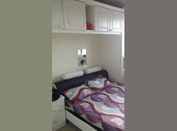 EasyRoommate UK - house - Yiewsley, London - £450