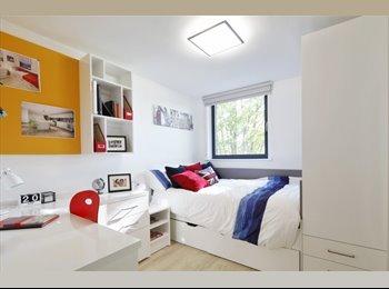 EasyRoommate UK - Ensuite Room to let in West Hampstead, London - Queens Park, London - £836