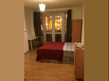 EasyRoommate UK - Double room and single room - Bow, London - £650
