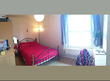 EasyRoommate UK - Large double room in Bethnal Green - Bethnal Green, London - £800