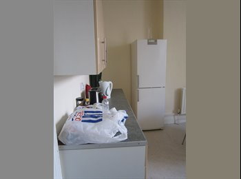 EasyRoommate UK - Room to rent in Town Centre - West Cliff, Bournemouth - £312
