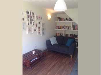 EasyRoommate UK - Furnished rooms in friendly house - NO DEPOSIT - Old Trafford, Manchester - £360