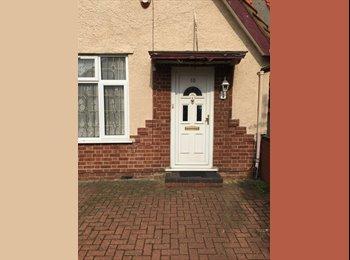 EasyRoommate UK - LOVELY  DOUBLE ROOM - West Drayton, London - £425