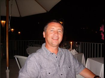 EasyRoommate UK - steven - 52 - Stockport