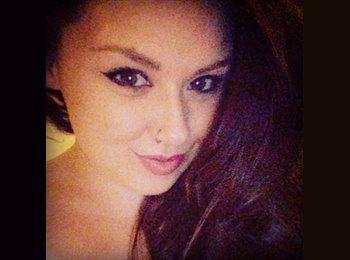 Amy - 23 - Student