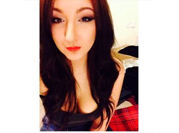 Courtney - 20 - Student