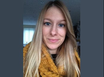 EasyRoommate UK - Claire - 29 - Stafford
