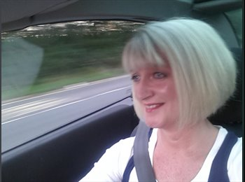 EasyRoommate UK - karen - 52 - Basingstoke and Deane
