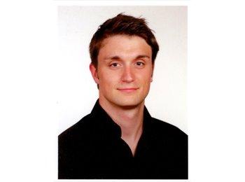 Fabian - 27 - Student