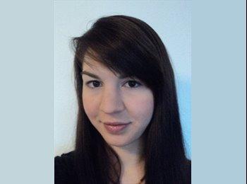 Josefine  - 28 - Student