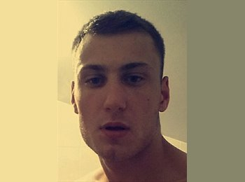 EasyRoommate UK - Damian - 23 - Manchester