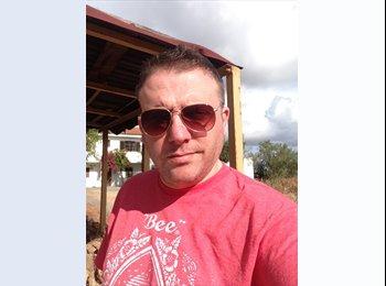 EasyRoommate UK - Chris - 38 - Swindon