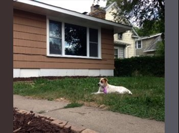 EasyRoommate US - Minutes from the Lakes and Downtown - Nokomis, Minneapolis / St Paul - $1000