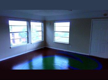 EasyRoommate US - Bedroom w/Private Bathroom - Southeast Austin, Austin - $560