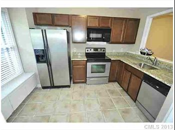 EasyRoommate US - Single Female looking for roommate in townhome - Charlotte, Charlotte Area - $600
