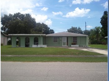 EasyRoommate US - small pool home for rent - Sarasota, Other-Florida - $850